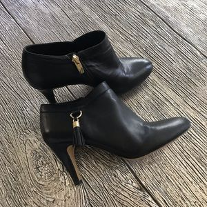 Vince Camuto Vecka Ankle Boot